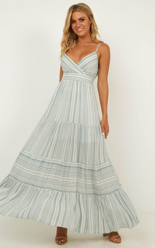 efaf50b6c5 9 Of The Best Maxi Dress Styles Everyone Needs