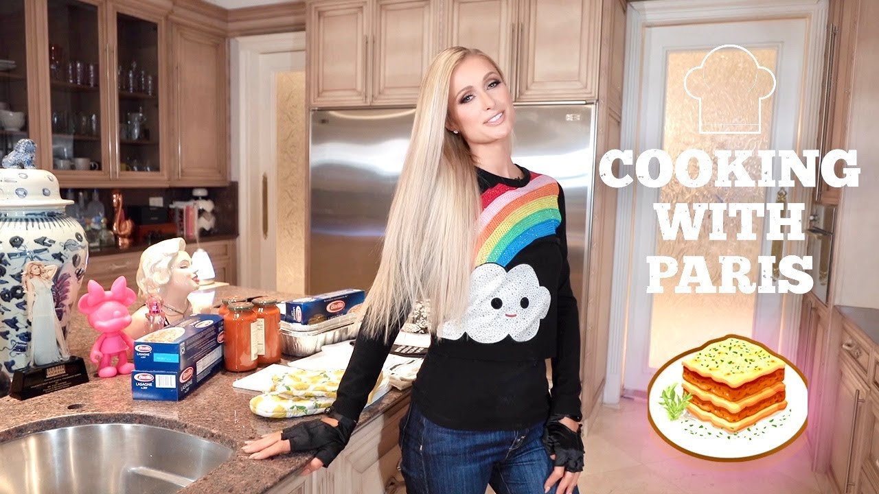 I Can't Stop Watching Paris Hilton Make Lasagne
